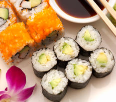 Sushi: Avocado Maki und Inside Out